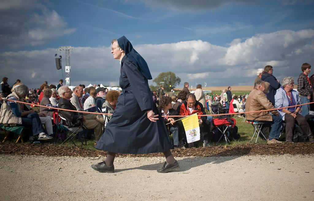 SMN-20110923-Papst-Etzelsbach-0072.jpg