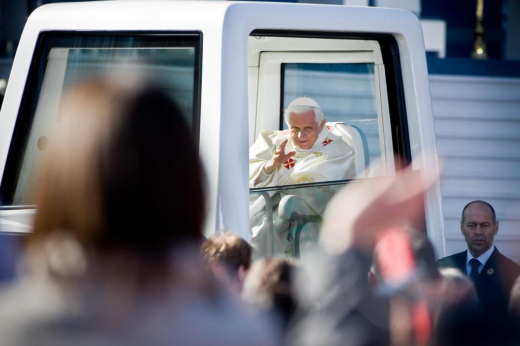 SMN-2011-09-24-PapstErfurt-1165.jpg
